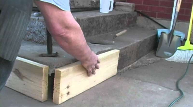 How to Keep Concrete From Sticking to Wood