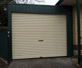 Ian's Garage Door Centre