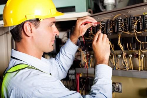 The Top 3 Benefits of Hiring a Professional Local Electrician