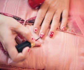 Top 4 Tips for Healthy, Strong and Pretty Nails