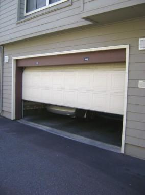 Top 4 Tips for Repairing Your Garage Door Opener