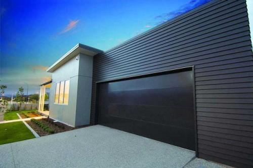 Top 4 Garage Door Maintenance Tips